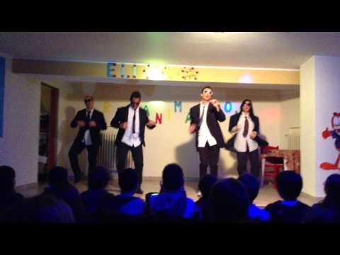 gangnam style coreografata dagli animatori del GHP Elios Club Vacanze
