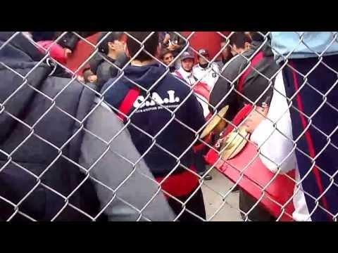 Previa Vs Banfield + Entrada de la Barra // Bombos y trompetas - La Barra del Rojo - Independiente - Argentina - América del Sur