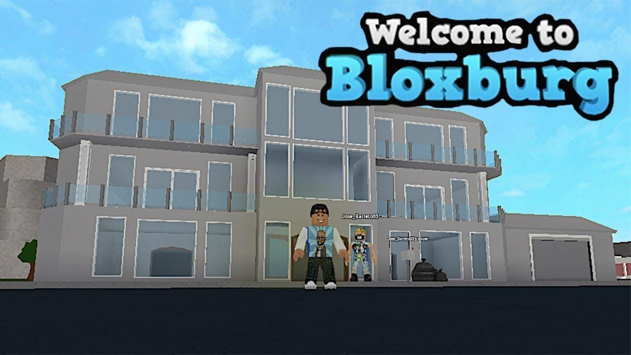 BLOXBURG 3 STORY HOUSE SPEED BUILD | ROBLOX | FAMBAM GAMING