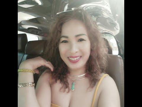 Bà chị Đài Loan U50 xăm nửa người giờ đặt lịch tiệm xăm vui vẻ xăm tiếp cánh tay
