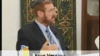Jewish Rabbi Worships Allah