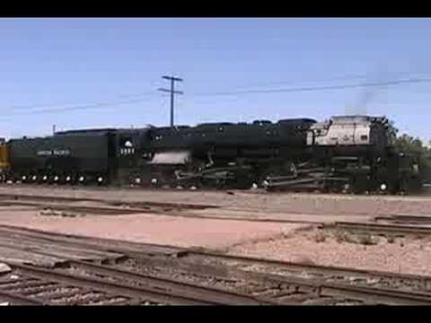 Chasing the Challenger Steam Locomotive 3985