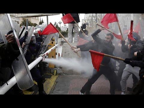 Ένταση στο τέλος του εκπαιδευτικού συλλαλητηρίου στην Αθήνα…