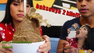 Video DUO TUKANG MAKAN COLLAB | makan 2 kilo bakso ft MGDALENAF MP3, 3GP, MP4, WEBM, AVI, FLV Maret 2019