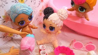Video BARBIE Wakes Up LOL SURPRISE DOLLS For Morning Routine! MP3, 3GP, MP4, WEBM, AVI, FLV Juli 2018