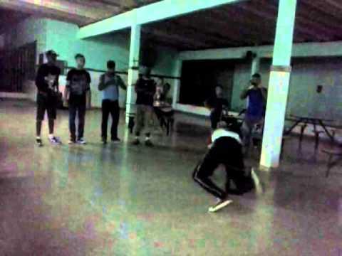 Grupo de dançar de rua no Colégio Teodoro Sampaio,