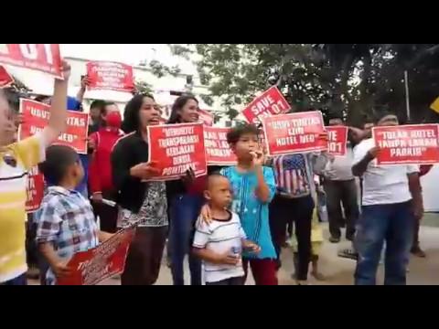 Aksi Demo Penolakan Lahan Parkir Hotel Neo