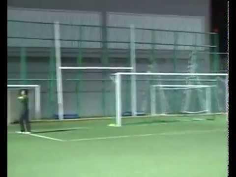 Thủ môn thua sốc quả penalty