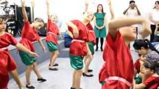 Dança De Natal Com As Crianças Da Comunidade Evangélica Nova Israel