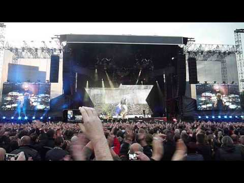 Pasienky - Depeche Mode - Precious part 1 (Bratislava, Futbalový štadión Pasienky, 25.5.2013)