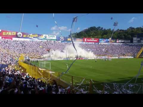 Recibimiento a ALIANZA FC de parte de BB96 (BARRA BRAVA 96) De El Salvador - La Ultra Blanca y Barra Brava 96 - Alianza