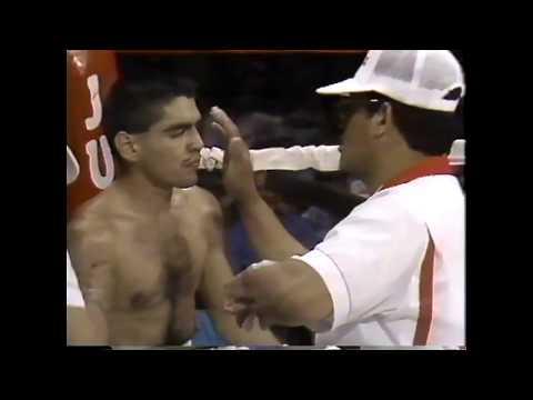 Robert Quiroga vs.  Akeem Anifowoshe.  Fight of the Year 1991.