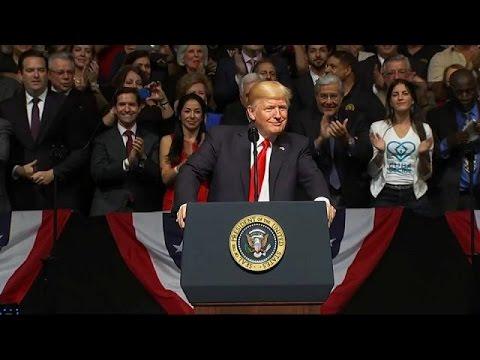 Ο Τραμπ αναθεωρεί τις σχέσεις ΗΠΑ-Κούβας