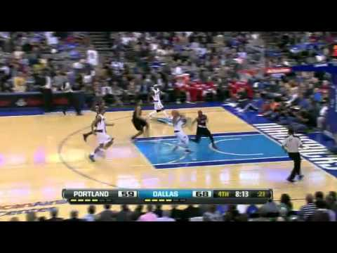 Nicolas Batum blocks Delonte West from behind