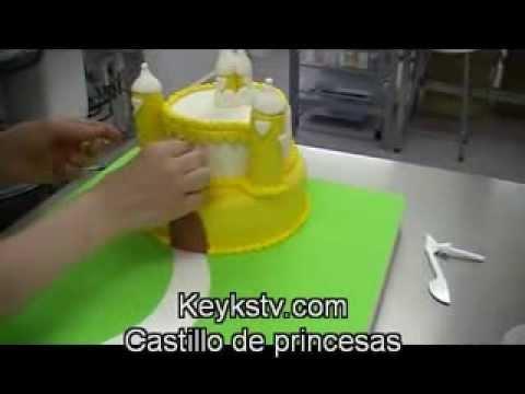 Tarta de castillo de princesas. Princess castle cake
