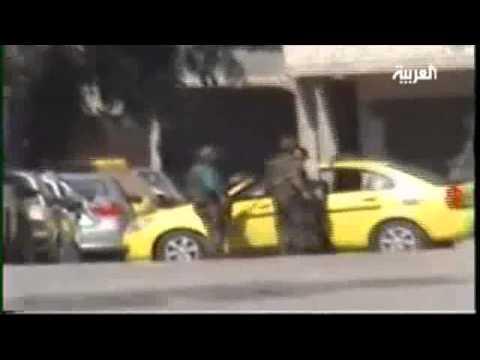 """بالفيديو.. """"شبيحة"""" بشار يعتدون على مواطن كبير في العمر"""