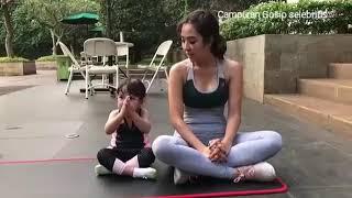 Video Namaste...Gempi putri Gading Gisel ikut Bunda nya Senam Yoga... MP3, 3GP, MP4, WEBM, AVI, FLV Desember 2018