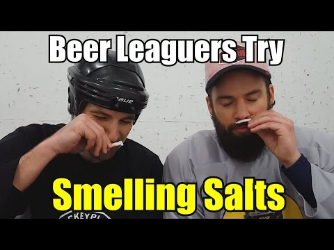 Hajusuola testissä – Beer Leaguers Try Smelling Salts
