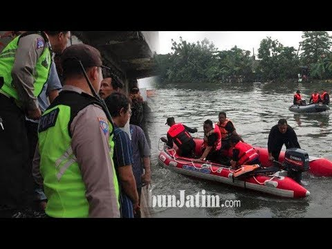 2 Jam Pencarian, Petugas Menemukan Bocah Yang Tenggelam Di Sungai Wonokromo Dalam Keadaan Meninggal