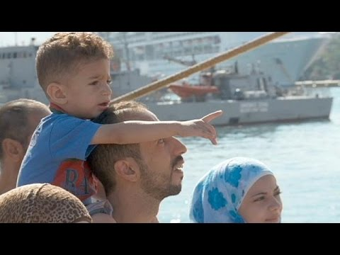 Ελλάδα: Αποβιβάστηκαν στον Πειραιά 2.500 Σύροι πρόσφυγες