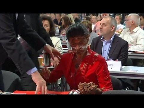 Γερμανία: Πέταξαν τούρτα στην Σάρα Βάγκενκνεχτ