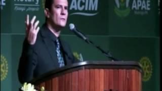 18/03- Balanço Geral Vivo/ NC- Na noite de sexta-feira o Juiz Federal Sérgio Moro esteve em Maringá. Ele veio para uma palestra em prol da APAE do município....