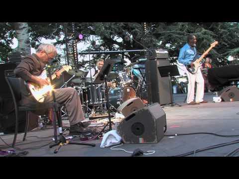 Trio Compaoré, Ribot & Tacuma @ Jazz des Cinq Continents - 2011