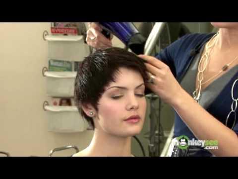 Short Hair Style – Audrey Hepburn Crop
