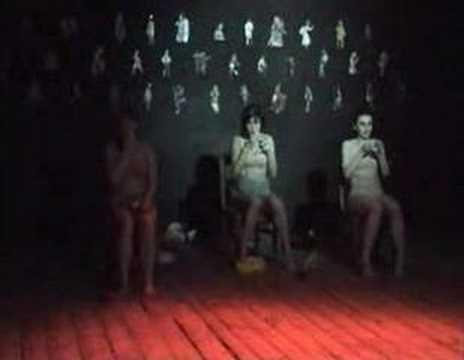 Teatr Tańca RozRUCH - Szukając ciała