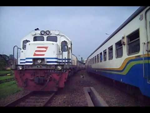 Railway : busy at station Bandung