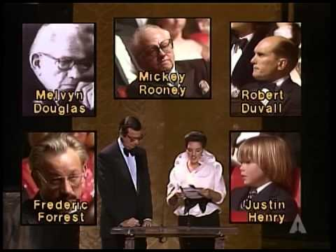"""Melvyn Douglas winning Best Supporting Actor for """"Being There"""""""