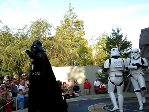 Vader Dances to Hammer You Can\'t Touch This Dance: Star Wars weekends 2009 Disney