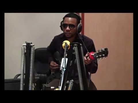 TÉLÉ 24 LIVE: Flamme Kapaya Improvise et Rend Hommage à King Kester en direct Sur Africa N°1