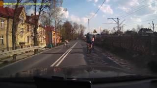 Właśnie dlatego trzeba uważać podczas wyprzedzania rowerzystów…