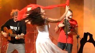 Download Lagu TARANTA 2014 - ZIMBARIA Full Concert - La Notte della Taranta - Parte 1/2 Mp3