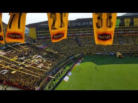 Salida Barcelona vs Aucas celebrando la 15 - Sur Oscura - Barcelona Sporting Club