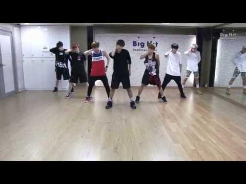 방탄소년단 'Danger' dance practice - Thời lượng: 4 phút, 4 giây.