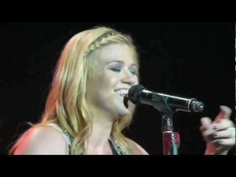 Kelly Clarkson – I Hope You Dance (cover) – 8/16/12
