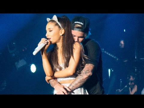 Justin Bieber & Ariana Grande - As Long As You Love Me (Live)