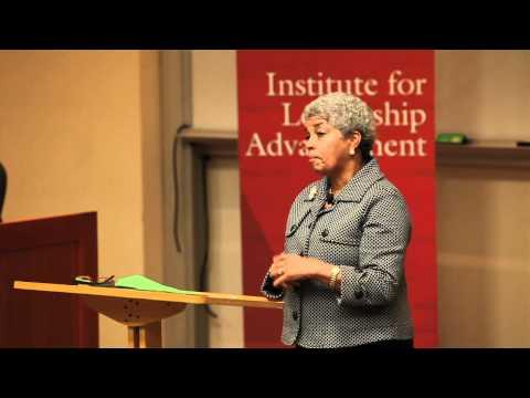Shirley Franklin, Chairman und CEO von Purpose Built Gemeinschaften, spricht UGA Studierende