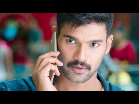 Bellamkonda Srinivas Escapes cops in a mall | Bellamkonda Movies Hindi Dubbed | Kavacham BEST SCENE