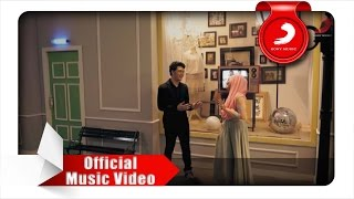 Video Fatin feat. TheOvertunes - Kaulah Kamuku (Official Music Video) MP3, 3GP, MP4, WEBM, AVI, FLV Oktober 2018