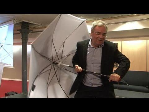 Un parapluie blindé pour protéger Sarkozy