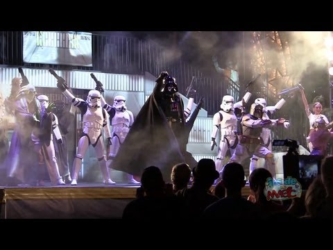 taylor - Full Dance-Off With the Star Wars Stars 2013: http://www.youtube.com/watch?v=0kc7y2R_SSc Visit http://www.InsideTheMagic.net for more from the Dance-Off With the Star Wars Stars 2013 and Star...