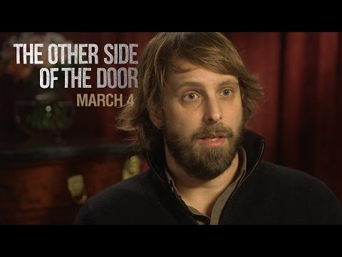 The Other Side of the Door (Featurette 'Behind the Door')