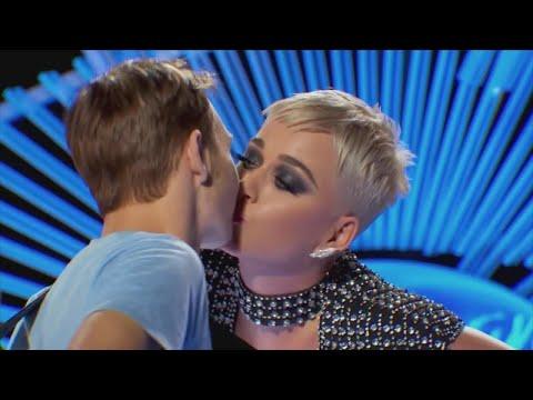Поцелуй Кэти Перри стал поводом для скандала