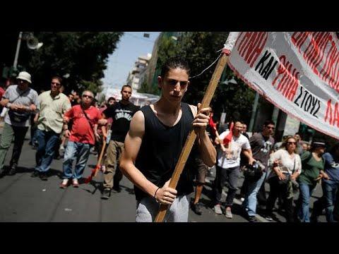 Maidemonstrationen gegen die Sparpolitik in Athen