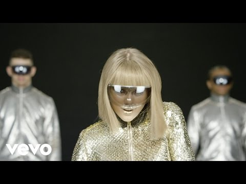 Taylor Swift - Shake It Off Outtakes Video #4 - The Animators (Behind The Scenes Video)