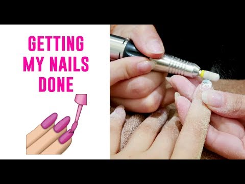 Getting My Nails Done in Singapore - Tina Yong (видео)