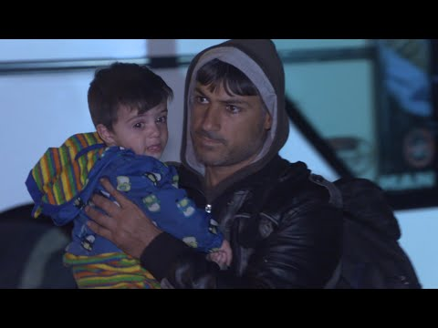 Slovenia: Refugees sleep out in the cold